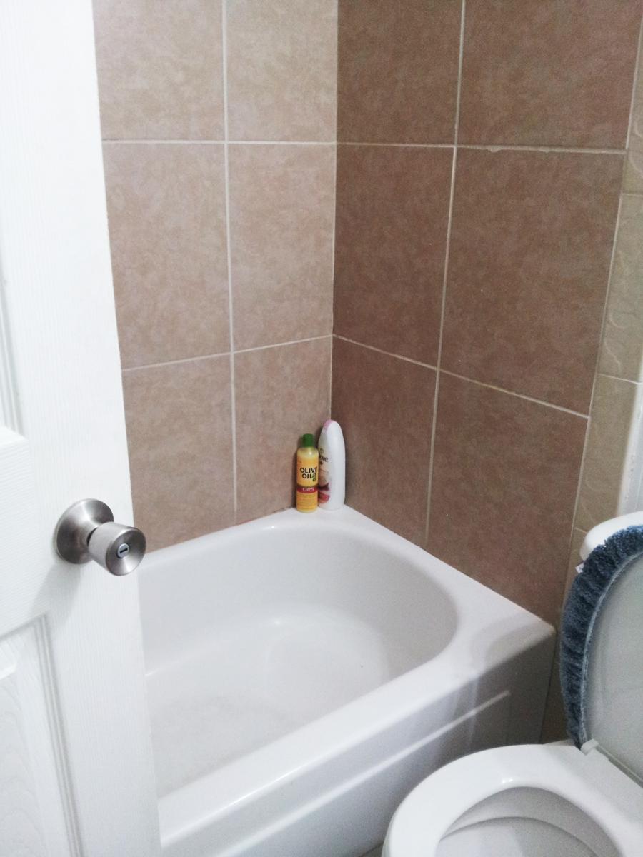 UCO - TLC Edmond 아파트 욕실