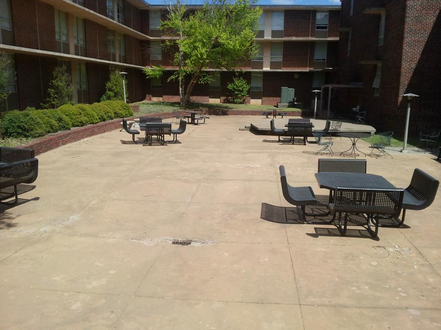 University of Central Oklahoma, West Hall 기숙사 외부